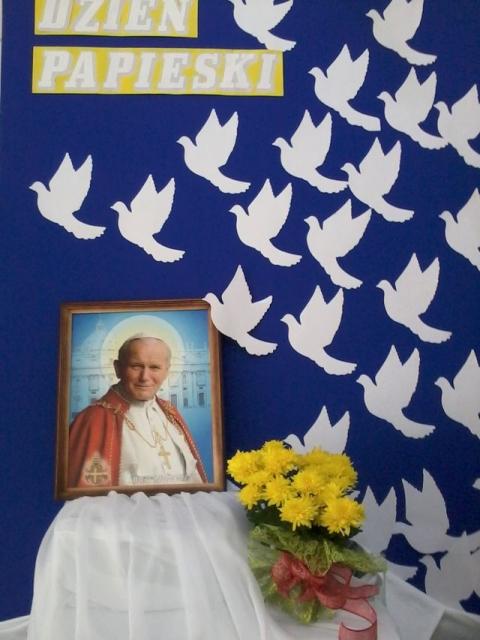 Zdjęcia z galerii fotografii Dzień Papieski