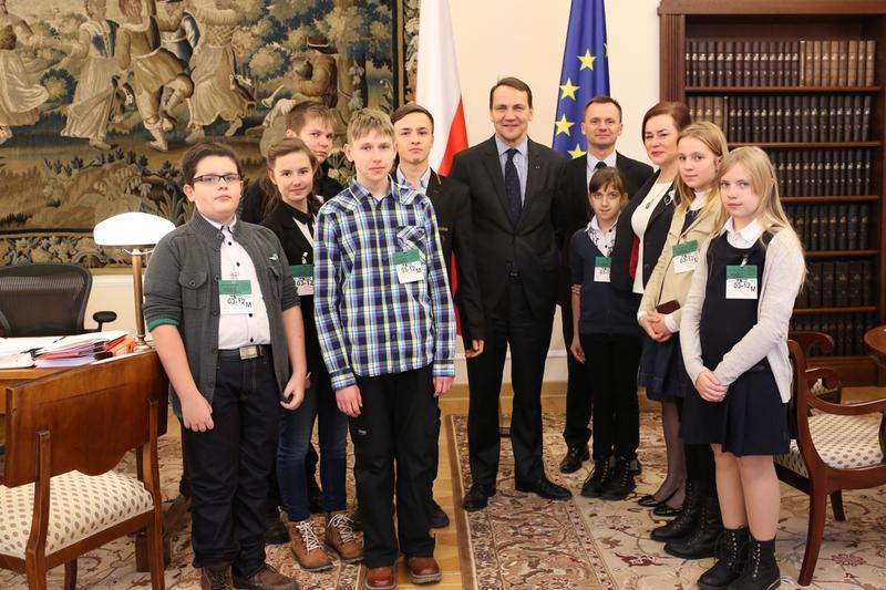 Zdjęcia z galerii fotografii Laureaci konkursu historycznego u marszałka Sejmu